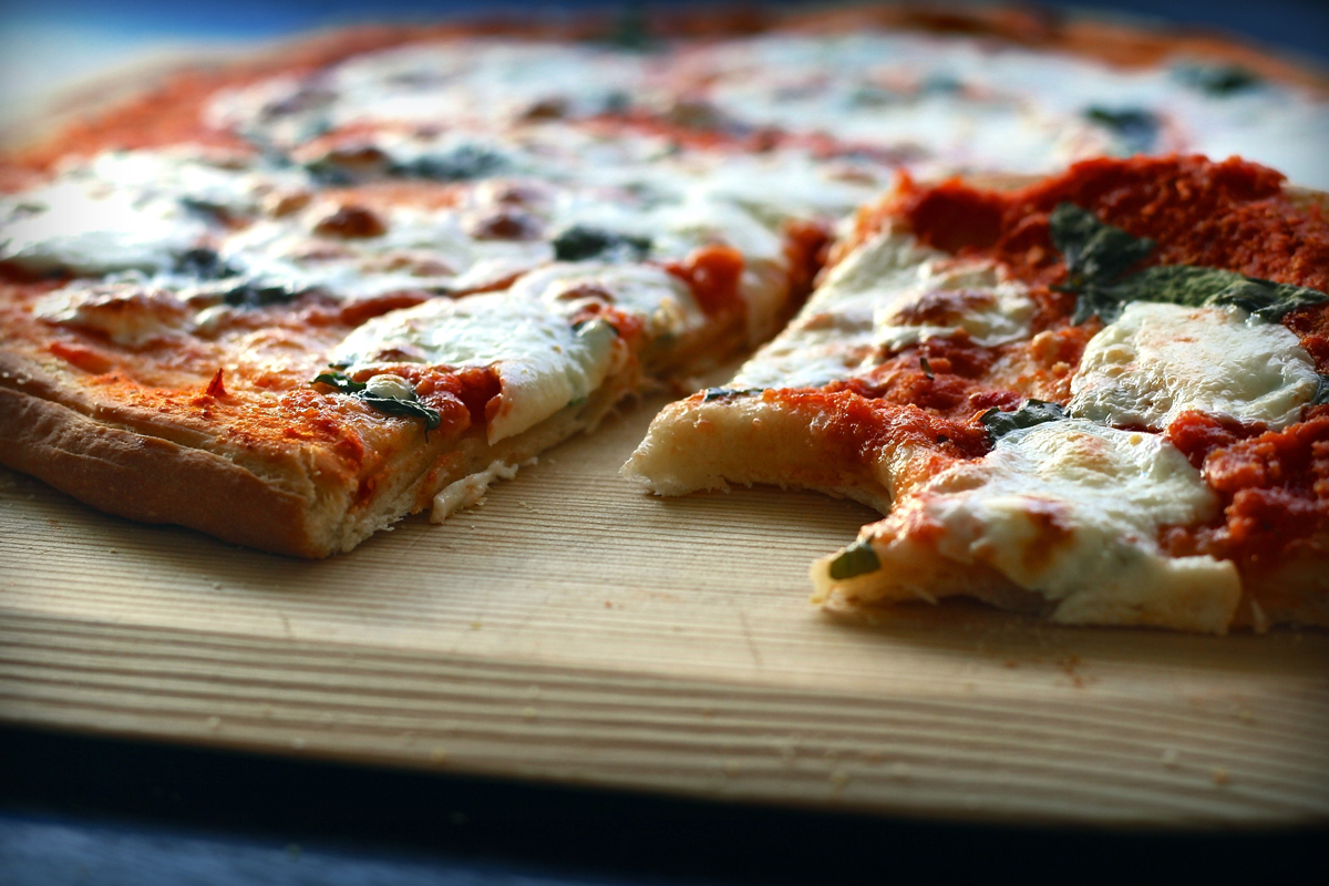 French Study Discovers Disgusting Pizza Reduces Fat in Men